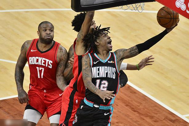 Wall 22 punti, 8 assist, Gordon 20 punti, Rockets porta via i Grizzlies